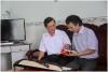 Tác giả Trần Phước Thuận và bạn ông GS Đặng Cảnh Khanh